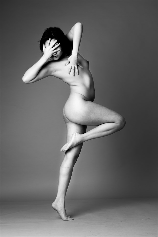 Minh Ly Artistic Nude Photo by Photographer AndyD10