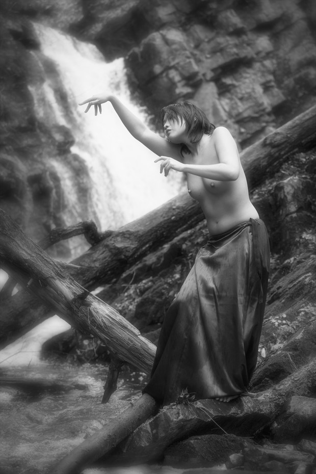 Minh Ly Artistic Nude Photo by Photographer DKA
