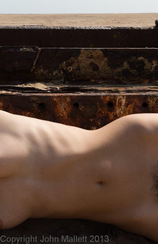 Minimal Artistic Nude Photo by Photographer uwfa