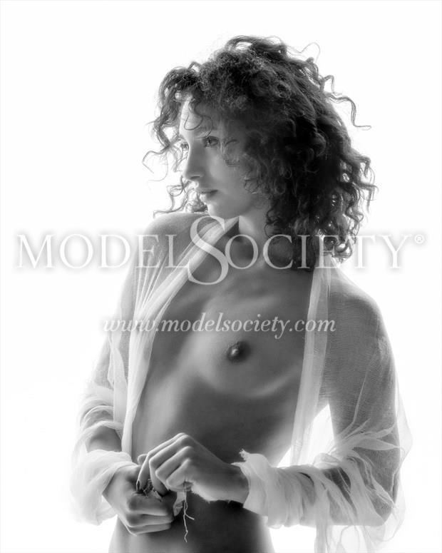 Mischkah Artistic Nude Photo by Photographer Carl Grim