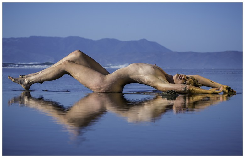Mona Beach 2 Artistic Nude Photo by Photographer Ian Montgomery