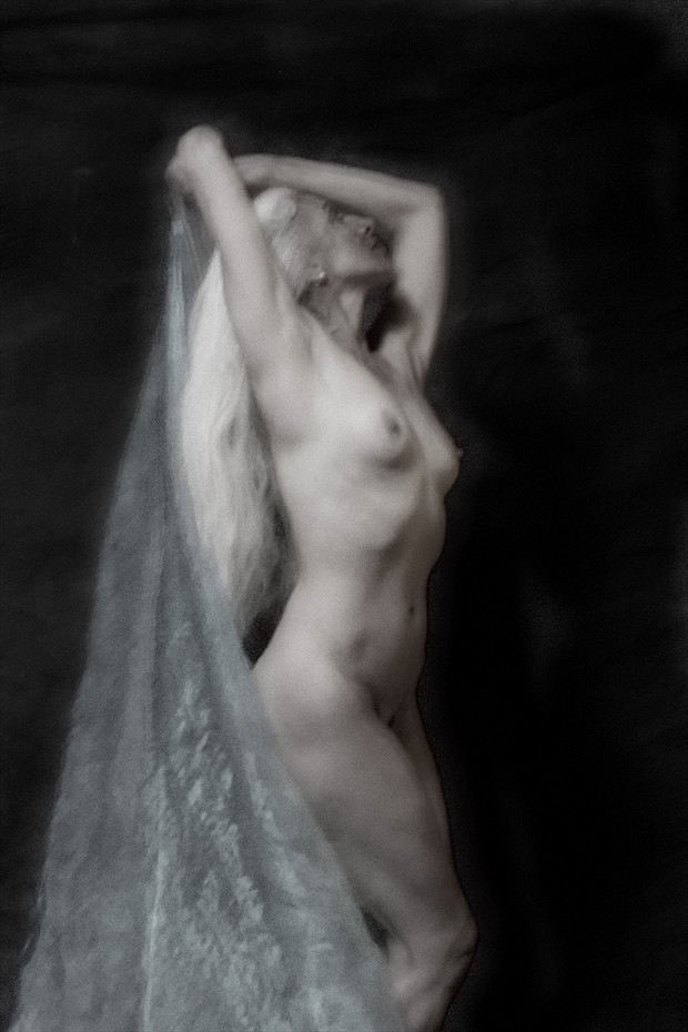 MoonDance Artistic Nude Photo by Photographer Mark Bigelow
