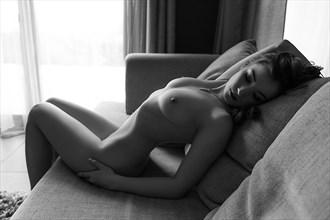 Morning light Artistic Nude Photo by Photographer Stefan Mogyorosi