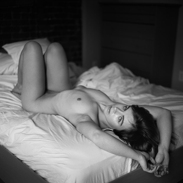 Mundi Artistic Nude Photo by Photographer Yuri Kriventsoff