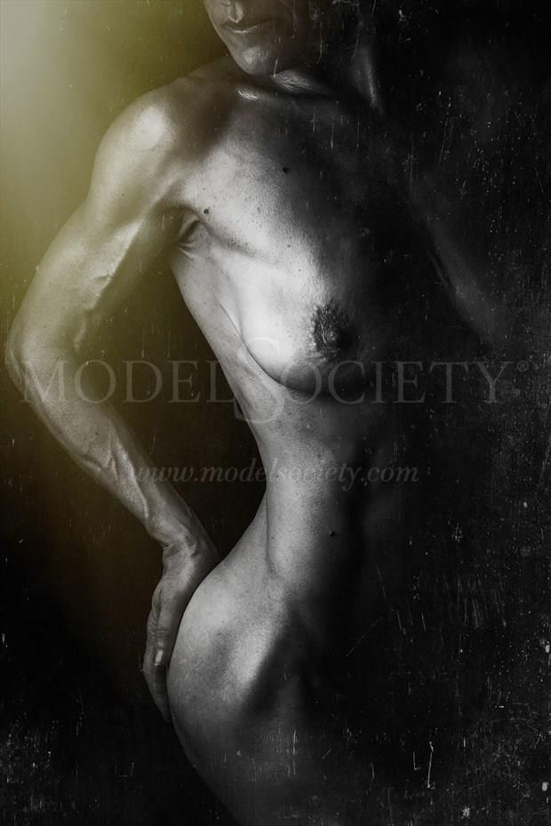Muscularity Meets Femininity Artistic Nude Photo by Model Helen Saunders