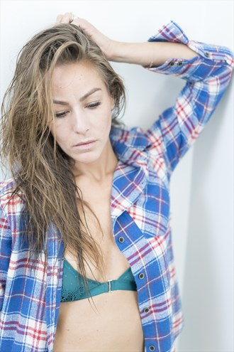 Natural Light & Flannels Candid Photo by Model Lauren Taylor