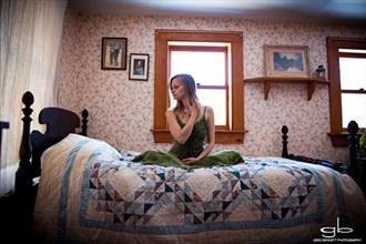 Natural Light Expressive Portrait Photo by Model Ursa Minor