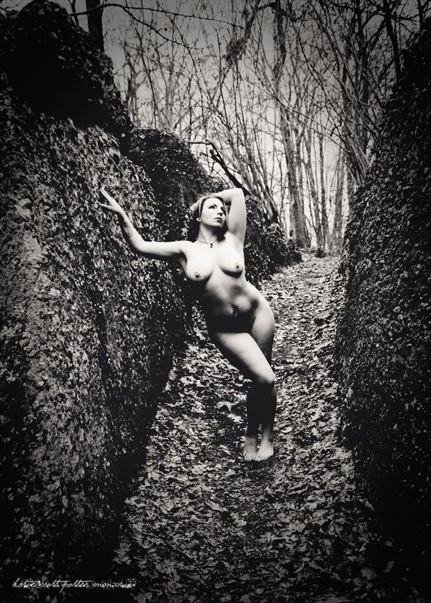 Naturally  Artistic Nude Photo by Photographer Katie Potter
