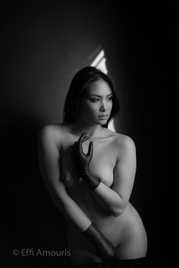 Nga Artistic Nude Photo by Photographer Effi Amouris
