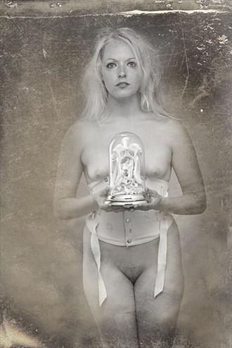 Nikki Artistic Nude Photo by Photographer Pat Berrett