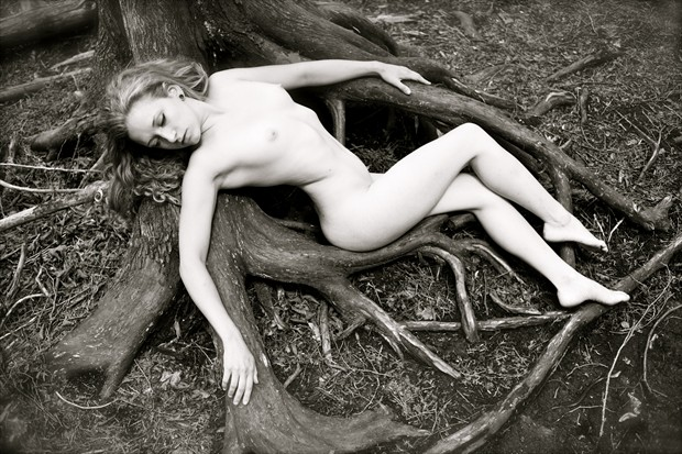 Nocturno Artistic Nude Photo by Model Manzanita