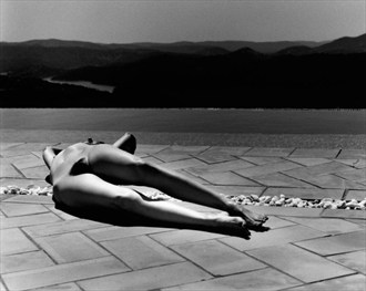 Nude by Pool (Spain) Artistic Nude Photo by Photographer Kim Weston