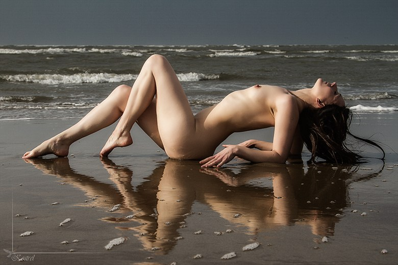 October afternoon. Artistic Nude Photo by Photographer Kestrel