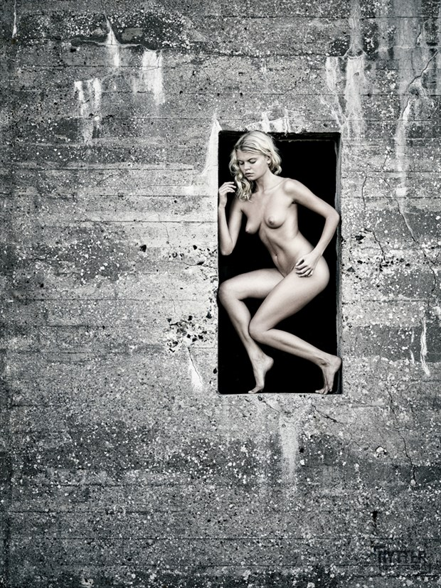 Off centre Artistic Nude Photo by Photographer Rytter Photography