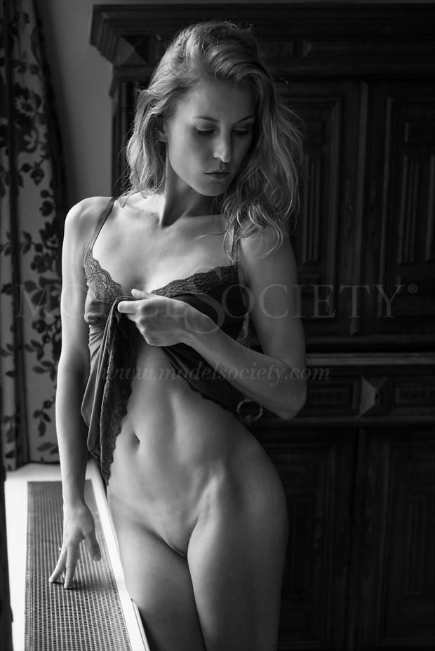 Olga Margreta Artistic Nude Photo by Photographer Greg Kirkpatrick