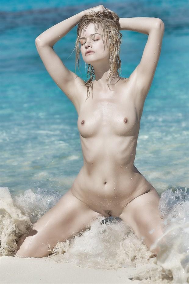 Olivia, on Salt Cay  Artistic Nude Photo by Photographer StromePhoto