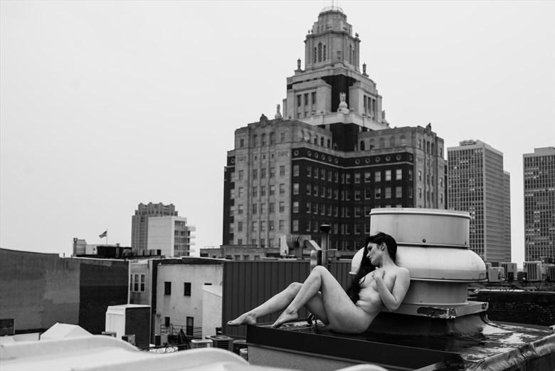 On edge Artistic Nude Photo by Photographer DaveMylesPhotography