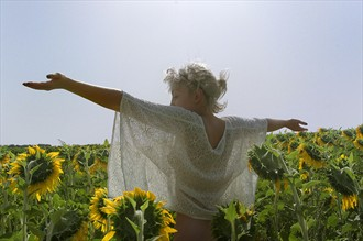 One with the sunflowers Artistic Nude Photo by Photographer Jonathan Charles