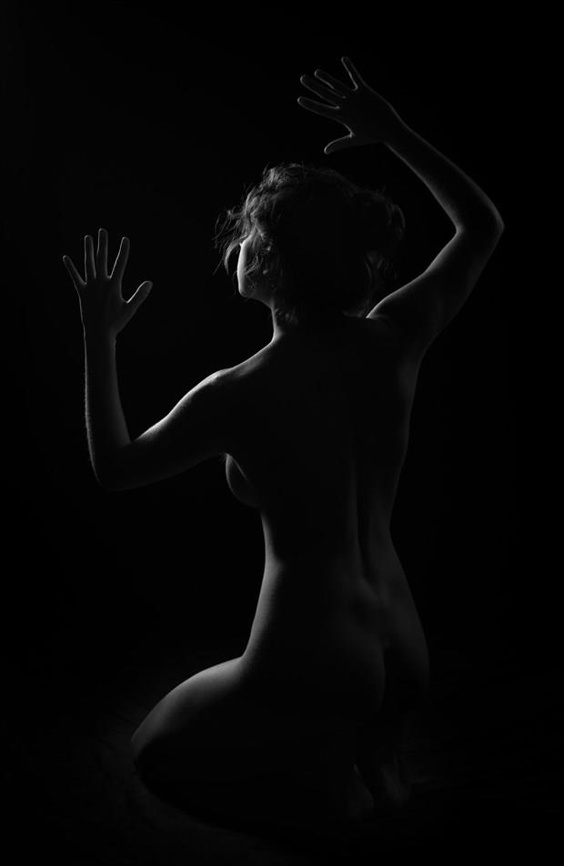 Outline Artistic Nude Photo by Photographer Inge Johnsson