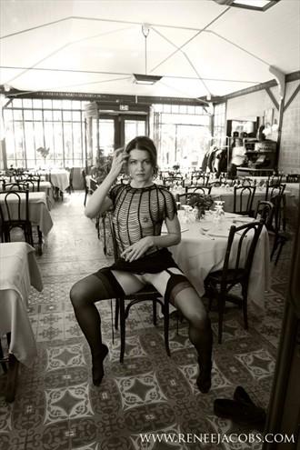 Paris Erotic Photo by Model Ine