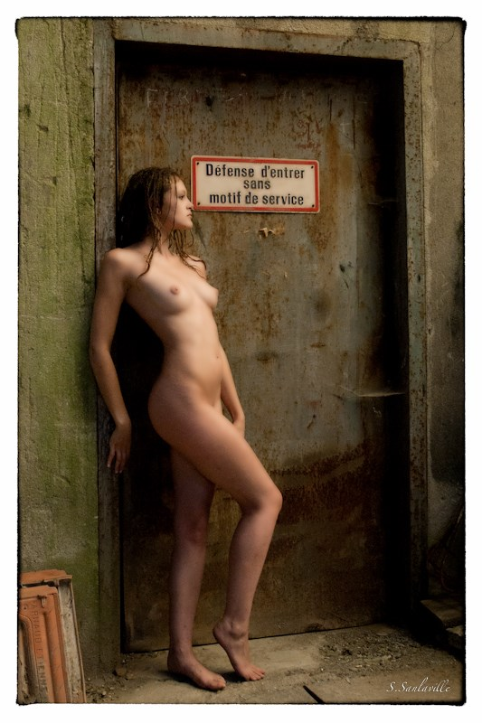 Passage Artistic Nude Photo by Photographer StephaneS