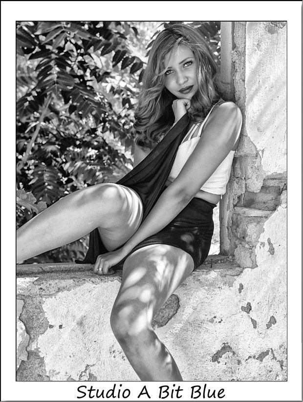Pearl On Location Fashion Photo by Photographer Studio A Bit Blue