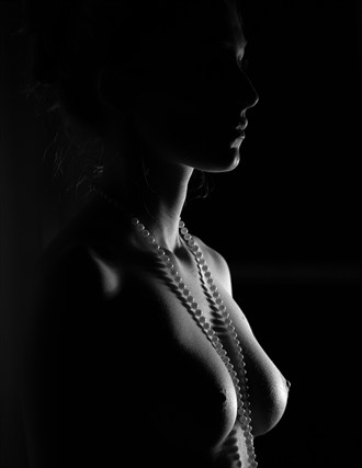 Pearls Artistic Nude Photo by Model Eleanor Kathryn