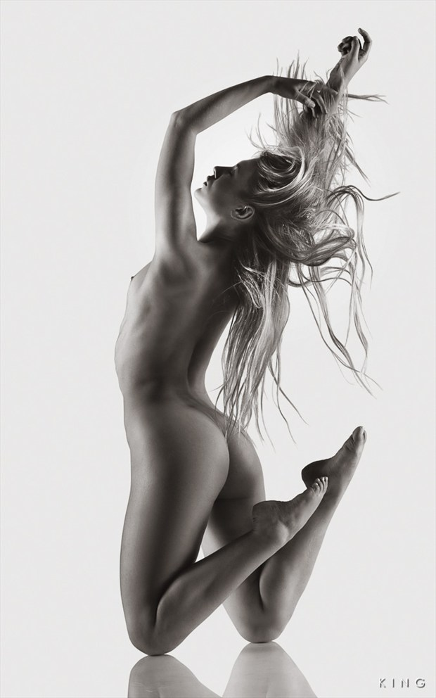 Perfect Motion Artistic Nude Photo by Photographer Terry King