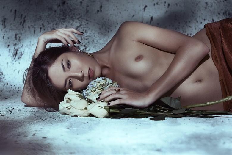 Petals Studio Lighting Photo by Model IDiivil