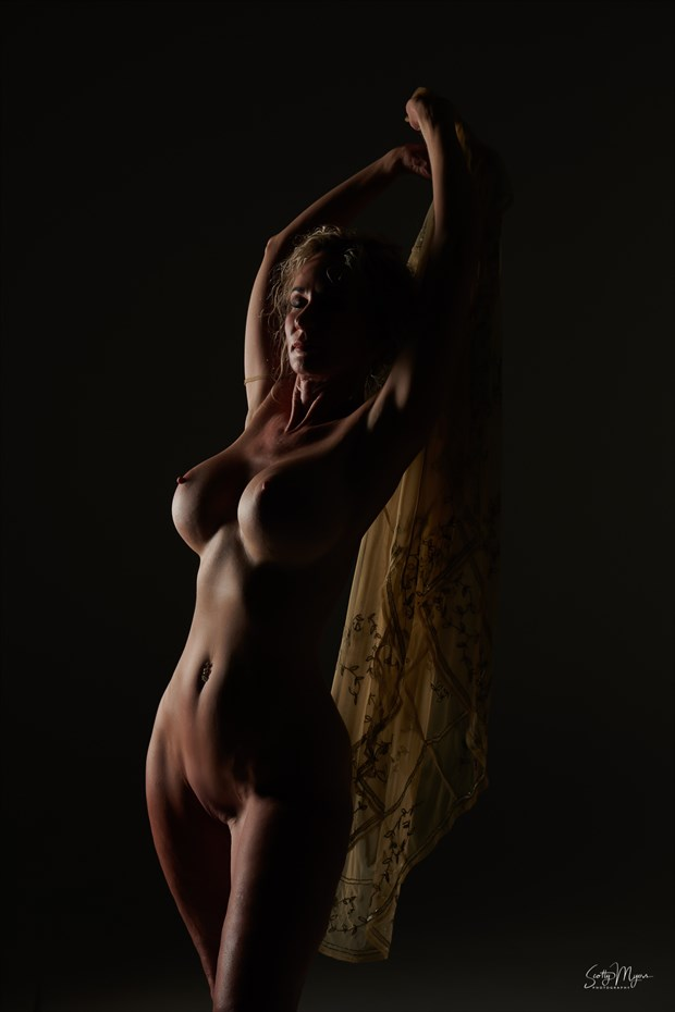 Photographer:  Scotty Myers Artistic Nude Photo by Model Sirsdarkstar