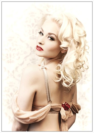 Pin UP Lingerie Photo by Model Romanie