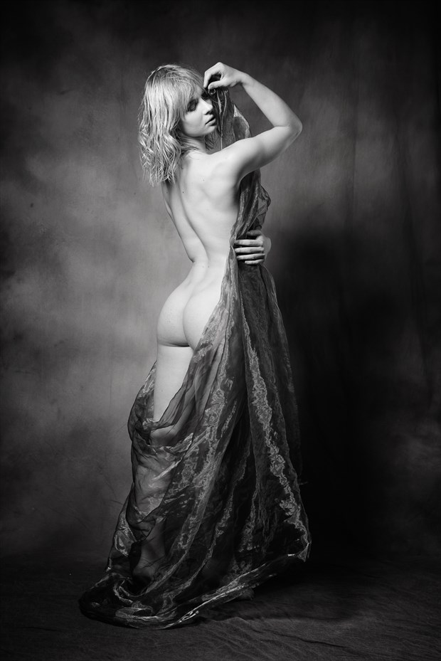 Pippa Doll Artistic Nude Photo by Photographer AndyD10