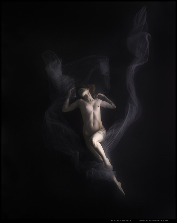 Plate 100 from the book Obscuro Artistic Nude Photo by Photographer Steve Richard