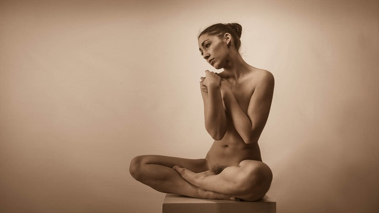 Plinth Figure Artistic Nude Photo by Photographer Dave Hunt