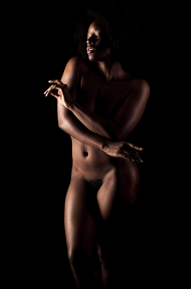 Poise Artistic Nude Photo by Photographer Kor