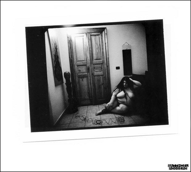 Polaroid Artistic Nude Photo by Model Assilem Ozzehg