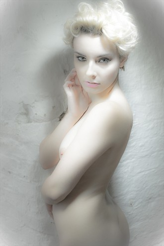Portia in porceline Artistic Nude Photo by Photographer Kev