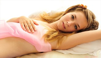 Portrait of actress Erotic Photo by Photographer Pekne foto