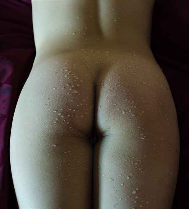 Posterior with Water Droplets Artistic Nude Photo by Photographer AOPhotography