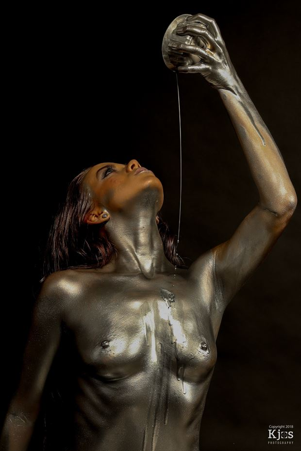 Pour Artistic Nude Photo by Model Aurora Red