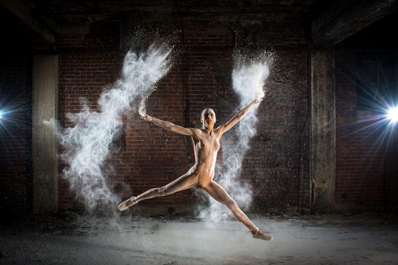 Powder Ballet  Artistic Nude Photo by Photographer Al Fess