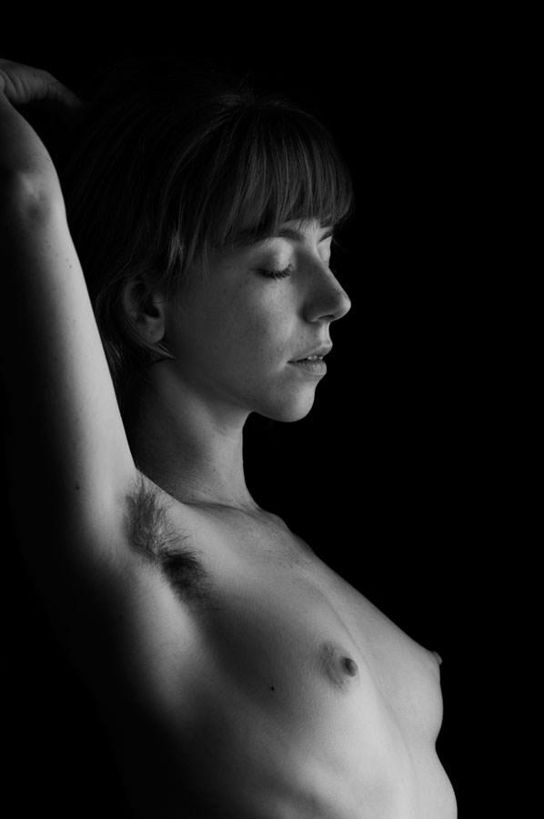 Profile of Serenity Artistic Nude Photo by Photographer Ektar