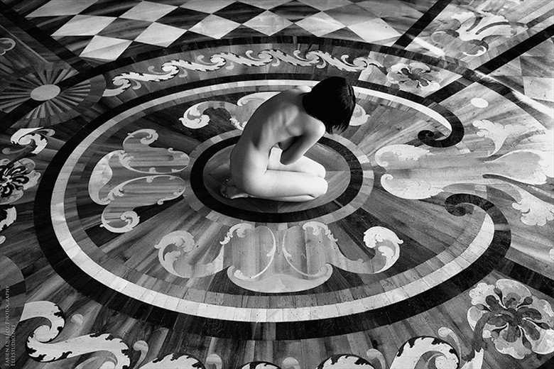 Protection  Artistic Nude Artwork by Photographer Fabien Queloz