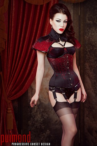 Puimond Swarovski Blood corset Lingerie Photo by Model Morgana