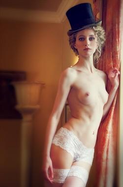 Puttin' on my Top Hat Artistic Nude Photo by Photographer MaxOperandi