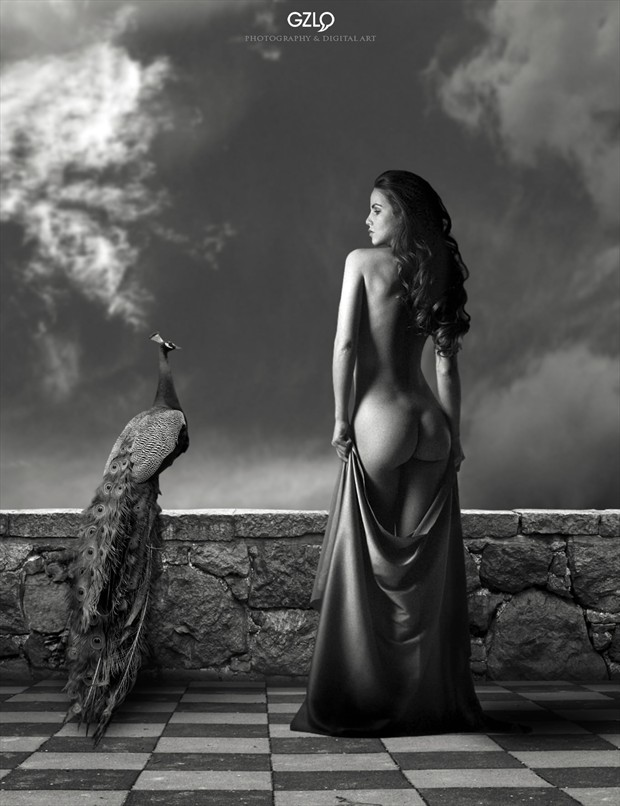 ROYAL POSE Artistic Nude Photo by Artist GonZaLo Villar