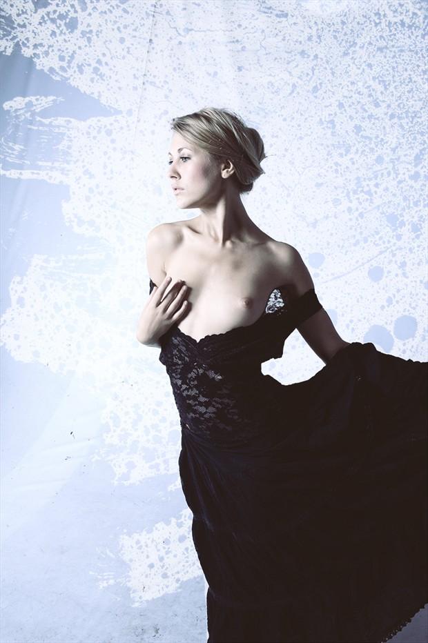 Raphaella 2 Glamour Photo by Photographer Aesir Rey