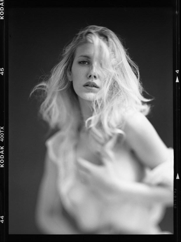 Raphaella Implied Nude Photo by Photographer RayRapkerg