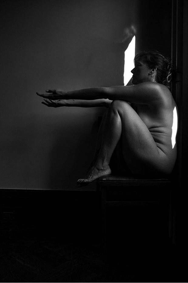 Reach Chiaroscuro Photo by Model Inner Essence