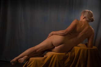 Reclining nude Artistic Nude Photo by Model Jana